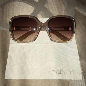 Valentino Nude Brown Gradient Sunglasses; Women's